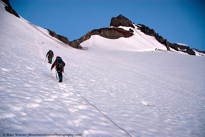 Han leading his rope to the notch, our access to the Whitman glacier