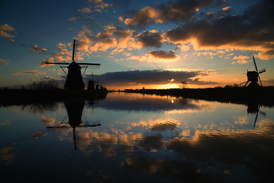 It's impossible to take a bad picture here. Show up at sunrise and click away. The Netherlands. Kinderdijk, The Netherlands. November 2017.