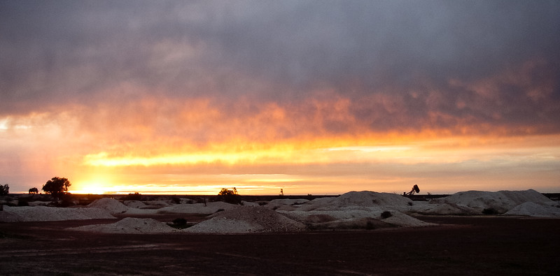 White Cliffs Opal Mining