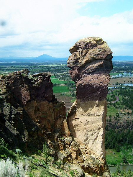 The Monkey Face Tower, Smith Rock, Oregon.