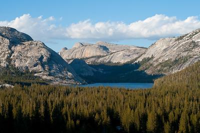 Tenaya Lake, Medlicott and Pywiak Domes. Tuolumne Meadows. Yosemite National Park, California, USA