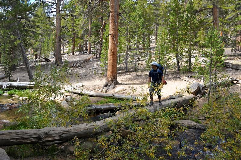 Hiking Cottonwood Lakes 011