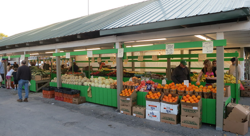 Beautiful! Come at closing and get 1/2 bushels of broccoli and tomatoes for $3.