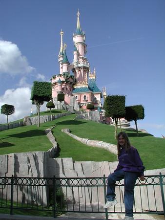 Disneyland Paris, 2001