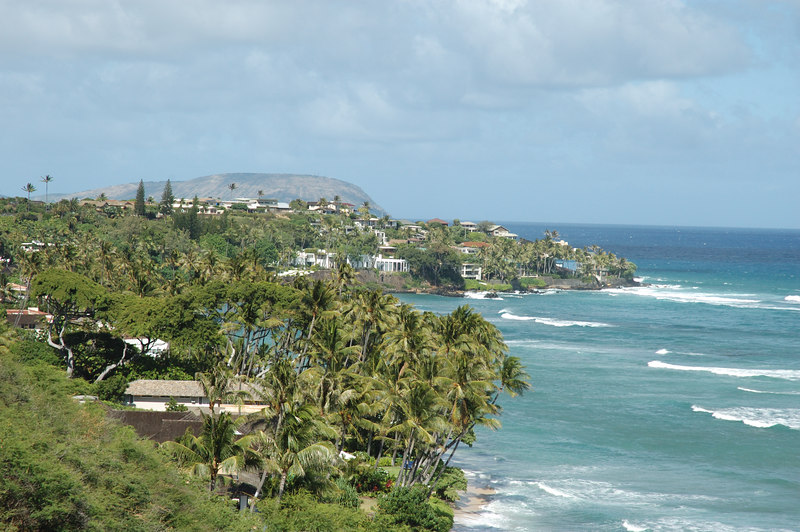 View along the coast below Diamond Head