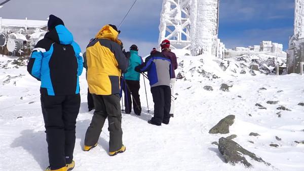 Mt Washington by Snow Cat in Winter-37