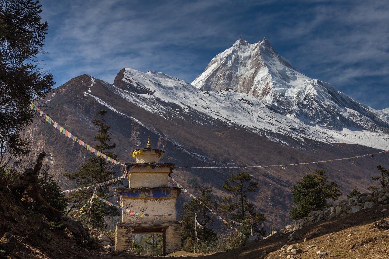 Stupa and Mt Manaslu