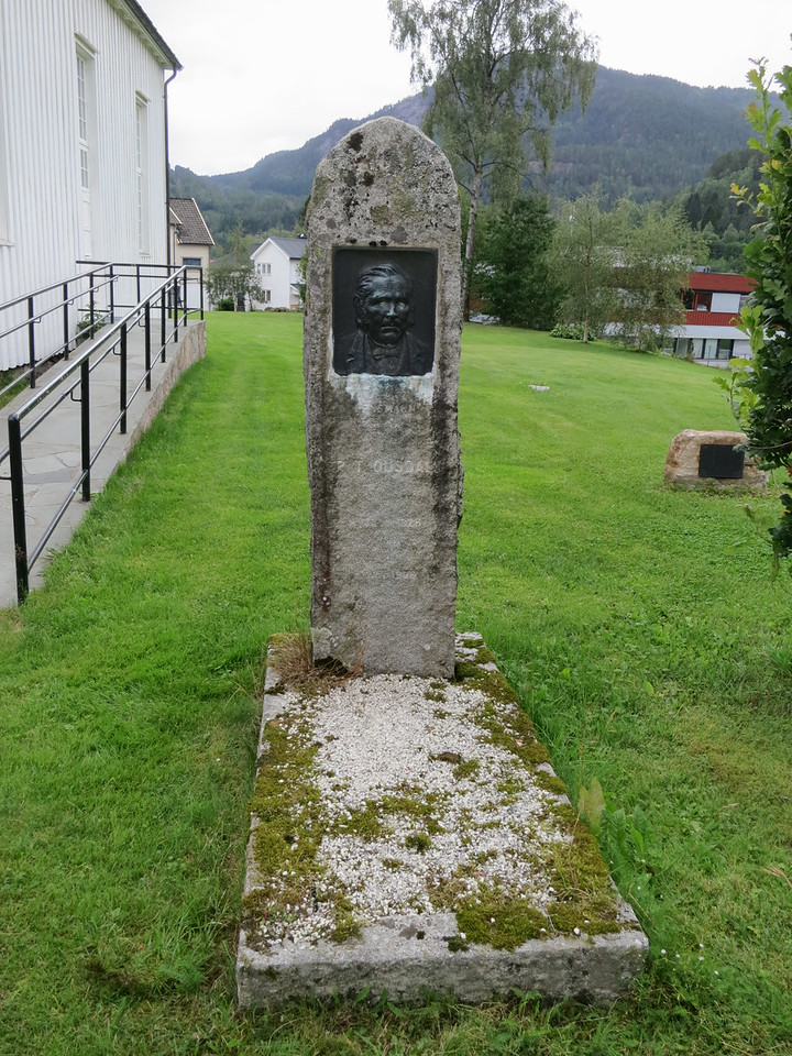 Graves in the Tonstad churchyard