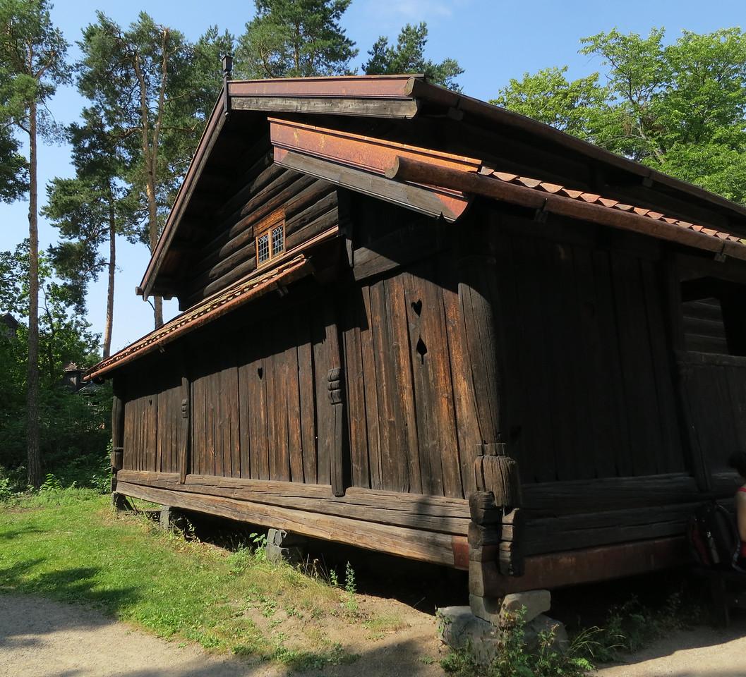 Rauland farmhouse (Raulandstua) from the 14th century