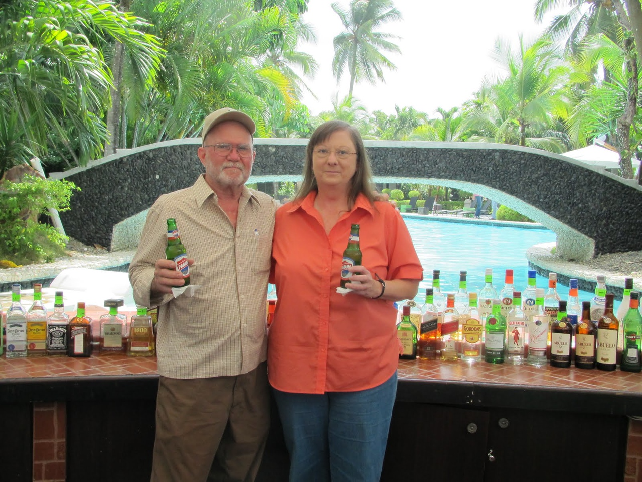 Our unplanned stay in Panama City - nice bar at the hotel!