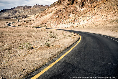 Mosaic Canyon road