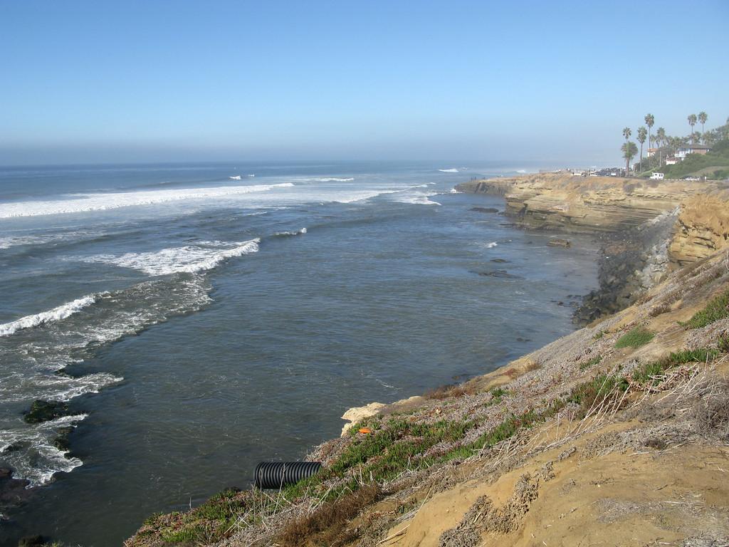 15' Waves along the Sunset Cliffs shoreline