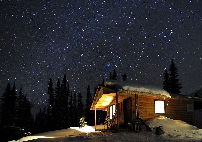 Kingsbury Hut under the Stars