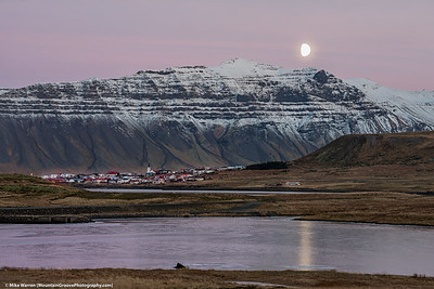 Moonrise over Grundarfjӧrđur