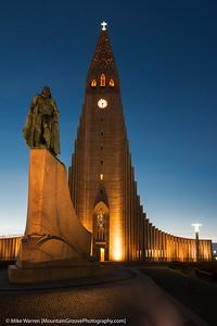 Hallgrimskirkja Church and statute of Leifur Eiriksson