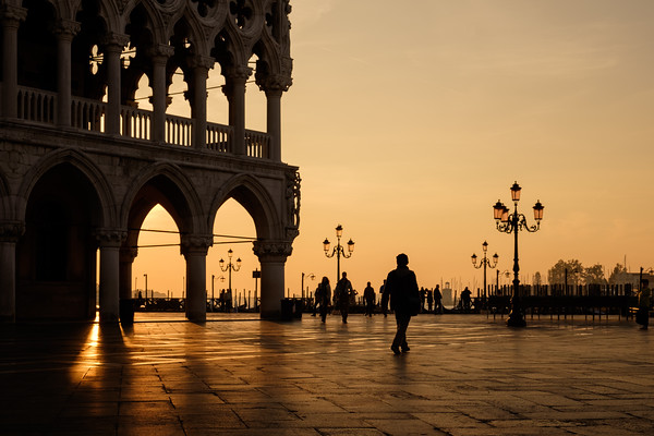 Doge's palace at sunrise