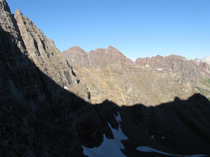 Looking west across to the Bells.  N. Maroon on right; the slightly higher S. Maroon on left.
