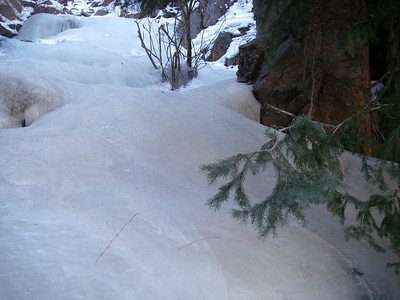 Yep, this bare ice is directly on-trail!