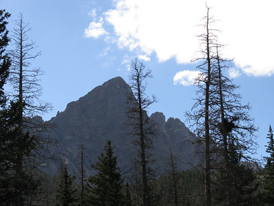 Telephoto: the Needle tops at 14,197 and the Pk at 14,294. [Crestone Pk cannot be seen from the lakes area.]