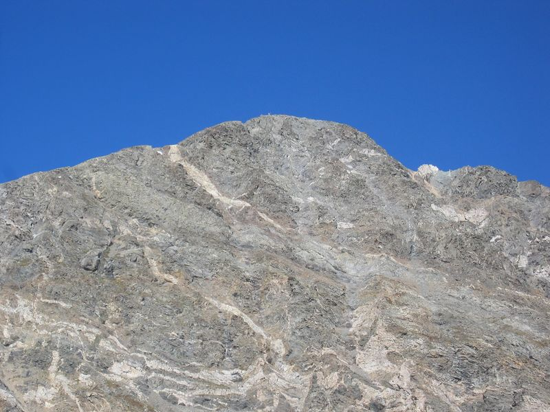 Telephoto - looking over at Torreys.