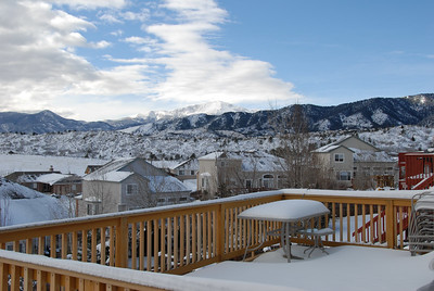 12/31/06 - New Year's Eve morning, looking over toward Pikes Peak. As my balcony was still snowbound, I shot this out the kitchen window.