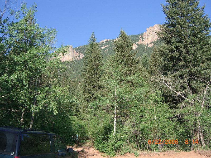 Trailhead at mouth of Bear Creek Canyon.