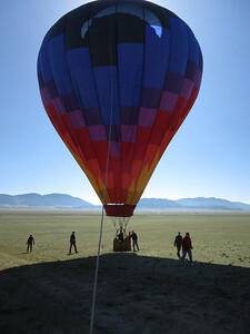 OK - in the shadow of the balloon, final touchdown.
