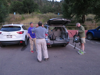 Arriving shortly past 6:00 am, with lots of parking spaces at the trailhead, in spite of the many folks already on the Incline. :)