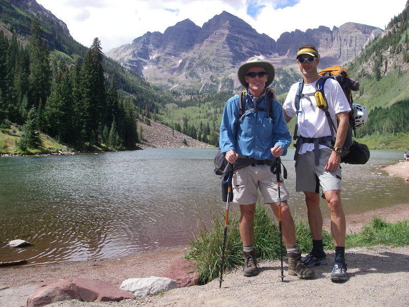 Gnarly Bill & Gnarly Brett ready to move out from the Maroon Lake TH (9580') about 11:30 am Saturday.