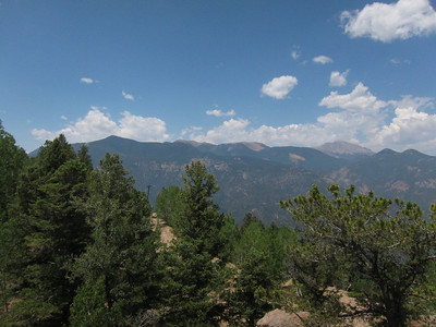 Scanning clockwise now for several images - Pikes Peak distantly on right.