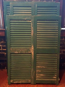 6 double shutters and one single shutter