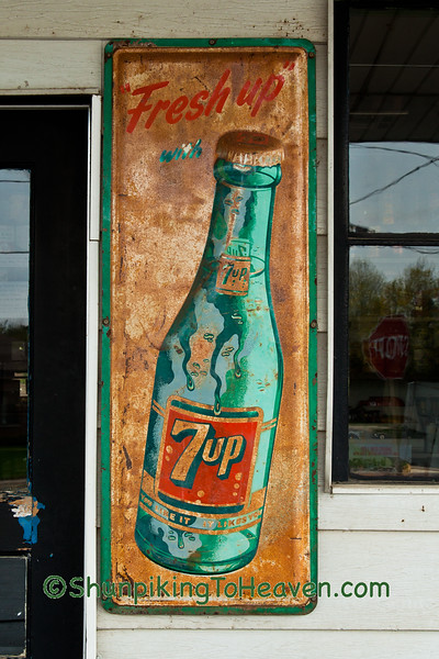 7up Sign, Symon's Auto Center, Hazel Green, Wisconsin