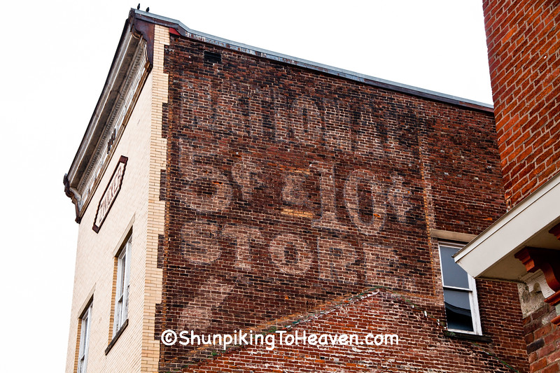 National 5₵ and 10₵ Store Ghost Sign, Circleville, Ohio