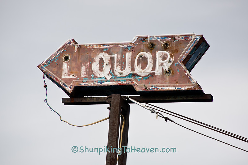 Neon Liquor Arrow, Scioto County, Ohio
