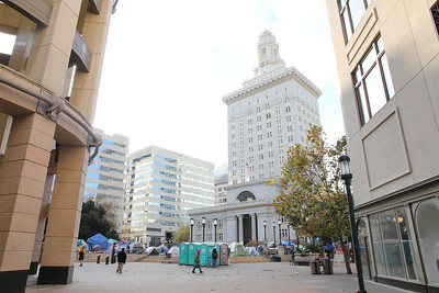 Approaching Oakland City Hall at Frank Ogawa Plaza from Broadway, near 14th.