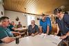 Familie Christian und Heidi Tschumi, «Allmend»<br /> <br /> Ein paar hundert Meter über dem Dorf hegt und pflegt Christian Tschumi zusammen mit seiner Frau Heidi, Weiden, Haus und Stallungen der Aedermannsdörfer Allmend. Im Jahre 2000 hat der gelernte Landwirt aus Rumisberg die Stelle als Hirte bei der Einwohnergemeinde angetreten. Seither versorgt er, zusammen mit seiner Frau Heidi, jeden Sommer 70-100 Sömmerungsrinder. Von Mitte Mai bis September, meist bis zum Bettag, bleiben die Jungtiere auf der Weide in der Obhut des Hirten. 76 Rinder von 12 Bauern hat er dieses Jahr mit Nummern an den Glockenriemen gekennzeichnet und damit für sie die Verantwortung übernommen. Seit Mai ist deshalb der tägliche Gang über die Weide zu den Rinderherden ein Fixpunkt im Tagesablauf von Christian. Daneben sind 36 ha Weide zu pflegen, immer wieder neu zu zäunen, von Dornen zu säubern und zu mähen. Da die Weiden zum grossen Teil Biodiversitäts-Flächen sind, ist vor allem Handarbeit gefragt. Neben seiner Aufgabe als Hirte betreibt er auf 11 ha eine eigene Milchwirtschaft und ist daneben mit seiner Rundballenpresse oder der Ramm- Maschine als Lohnunternehmer tätig © Text: Max Misteli / Bild: Patrick Lüthy/IMAGOpress.com