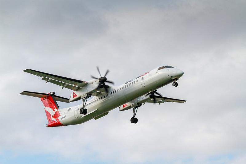 Qantas Link Q300