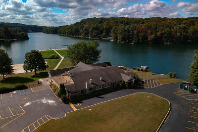 Cupsaw Lake and Clubhouse - Ringwood