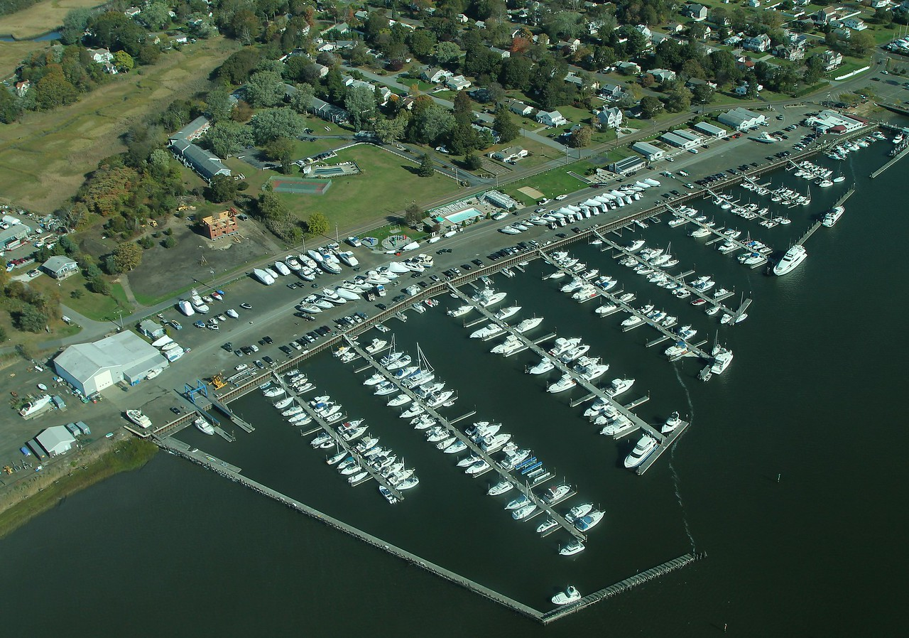 Cedar Island Marina - Clinton