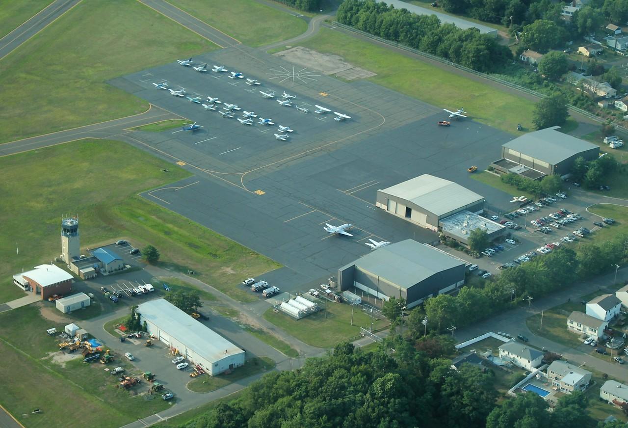 Tweed-New Haven Airport (KHVN)