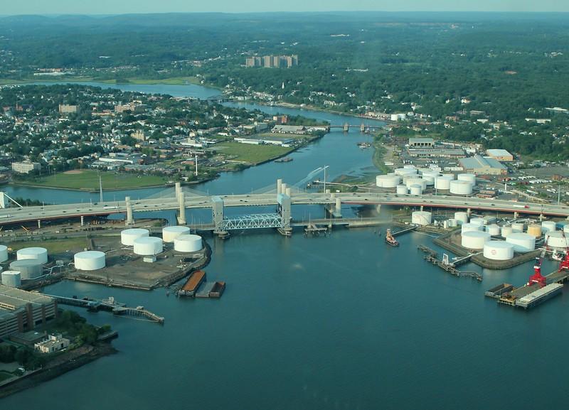 Pearl Harbor Memorial Bridge (I-95)