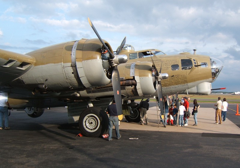 Aircraft; Collings Foundation B-17G Flying Fortress [NL93012]