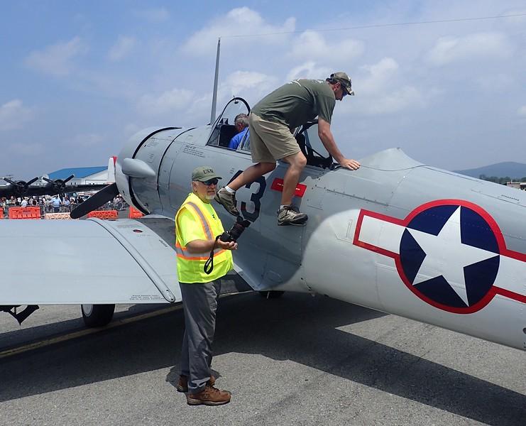 Aircraft; 1943 SNJ-4 [N24554]