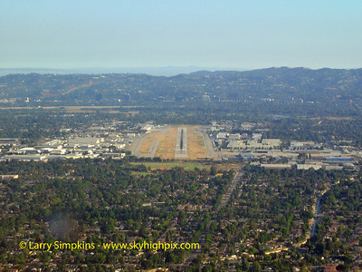Final approach into Van Nuys California, January 2009