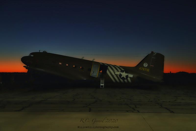 Aircraft utilized C-47D 44-76716 (N8704)