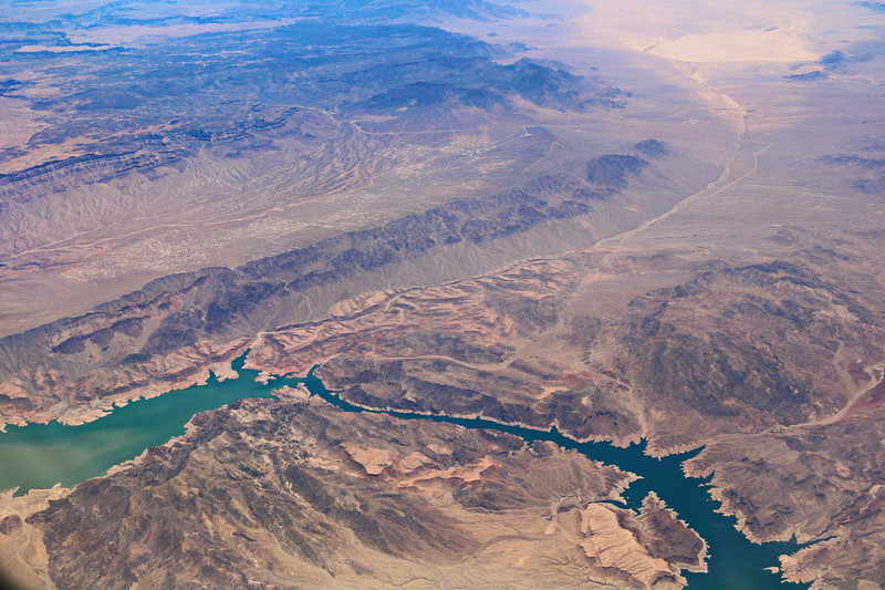 River and Roads Cross the Western USA