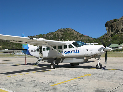 another Caribbean airplane