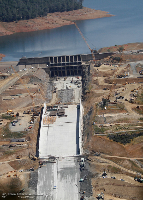 . The spillway and Lake Oroville. An aerial view of the Oroville Dam and spillway from the Butte County Sheriff\'s Office helicopter Friday, May 17, 2018, in Oroville, California. (Dan Reidel -- Enterprise-Record)