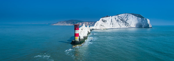 THE IOW & NEEDLES ROCK LIGHTHOUSE