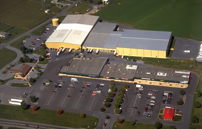 New Holland Shopping Center